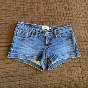 Small Abercrombie & Fitch shorts